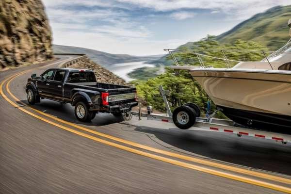 New-2017-Ford-Super-Duty-19-600x400