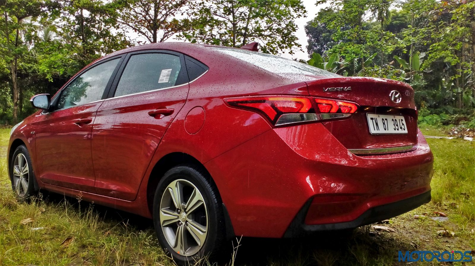 August 28, 2017-New-2017-Next-gen-Hyundai-Verna-Red-static-car-8.jpg