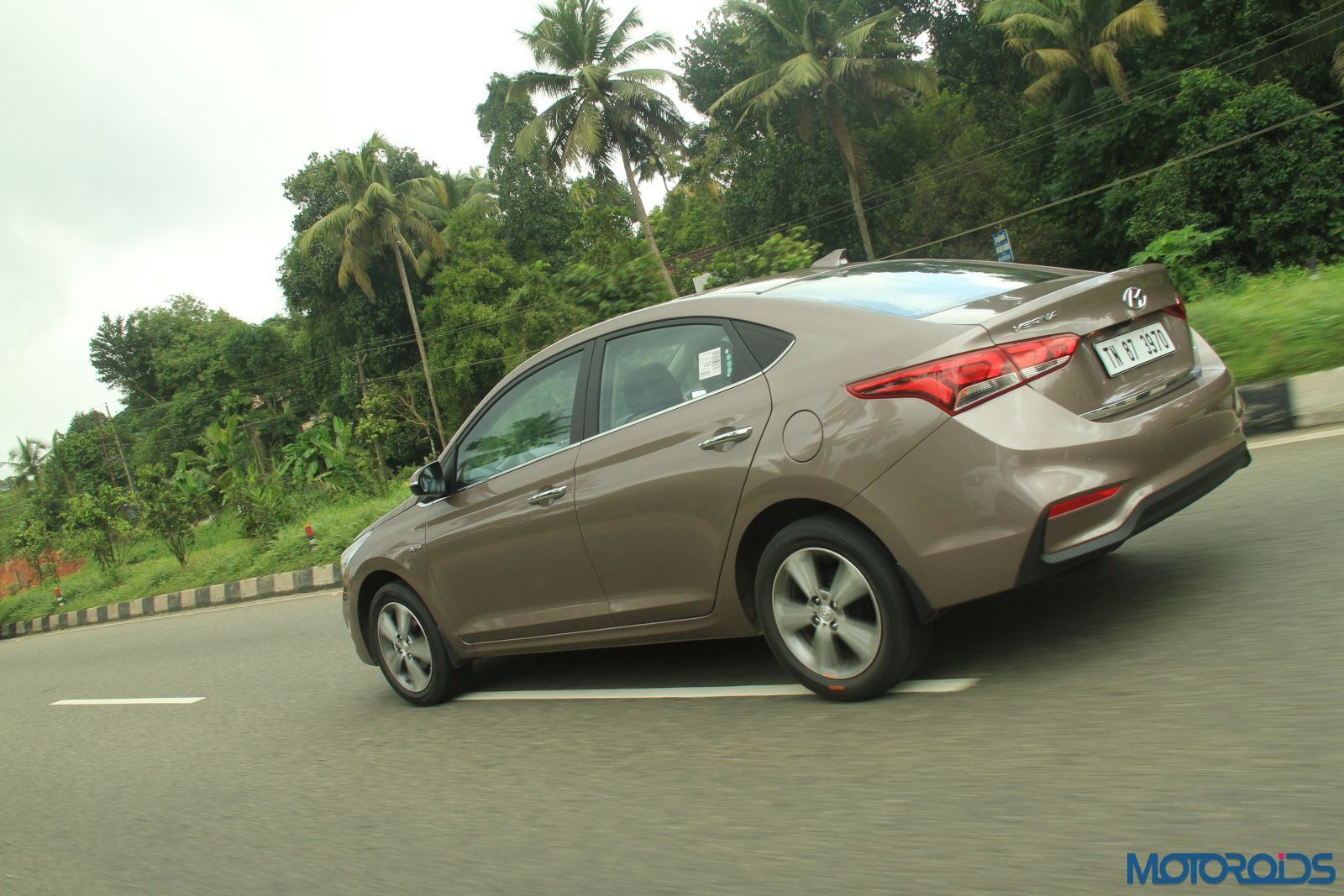 August 28, 2017-New-2017-Next-gen-Hyundai-Verna-motion-shots-brown-3.jpg