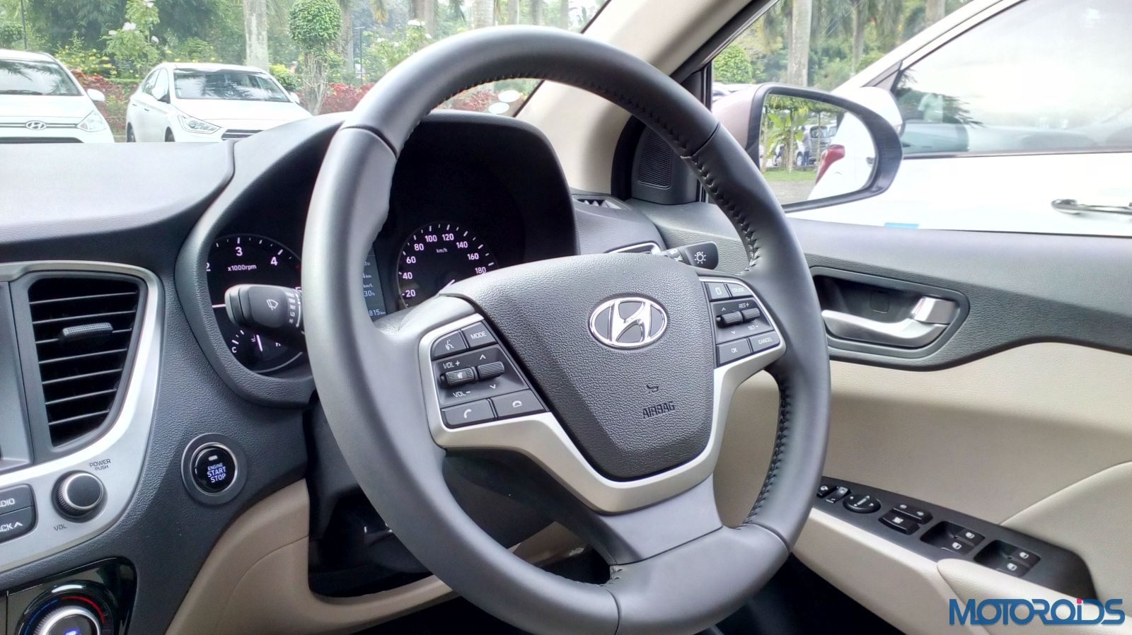 August 28, 2017-New-2017-Next-gen-Hyundai-Verna-steering-wheel36.jpg