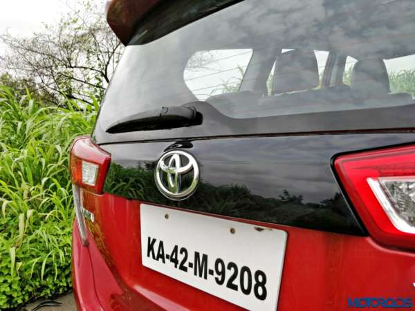 Toyota-Innova-Touring-Sport-rear-garnish-600x450