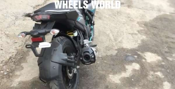 Yamaha-Fazer-250-Walkaround-2-600x306