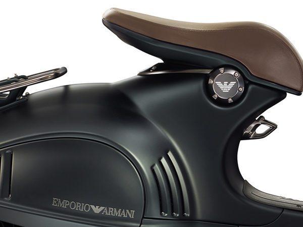 luxury_scooter_bike_armani_vespa_946_limited_edtion_4_-600x450