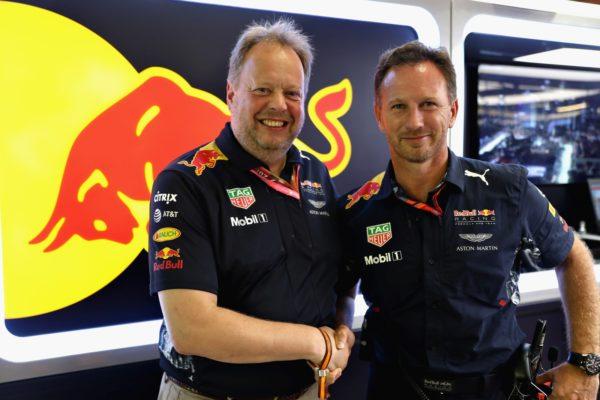 Aston-Martin-Red-Bull-Racing-4-600x400