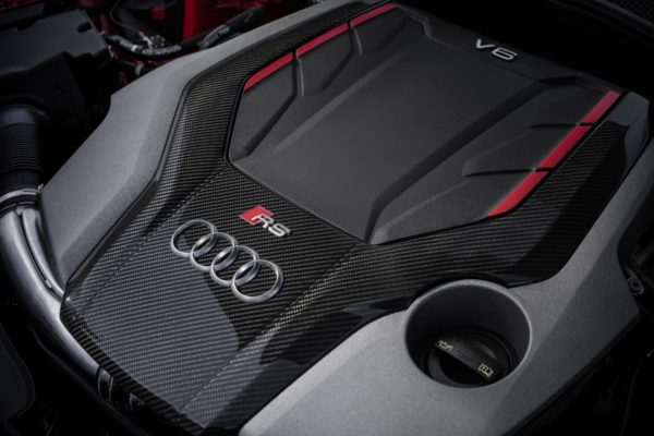 Audi-RS4-And-RS5-Carbon-Edition-9-600x400