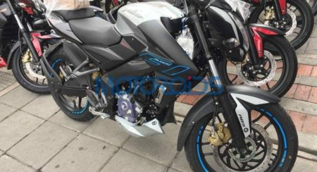 Bajaj Pulsar 200NS with ABS and FI (5)