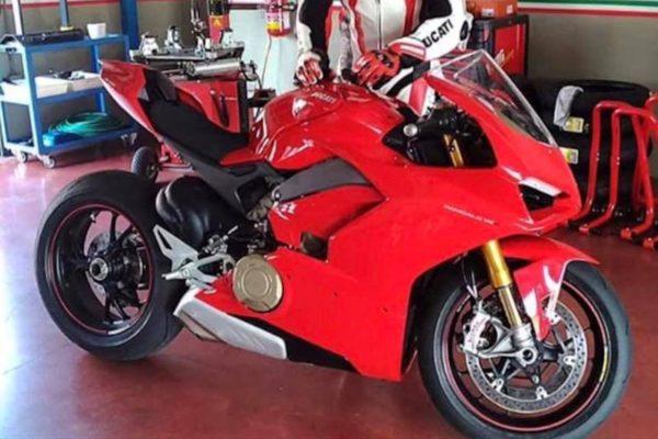 Ducati-V4-Superbike-600x400