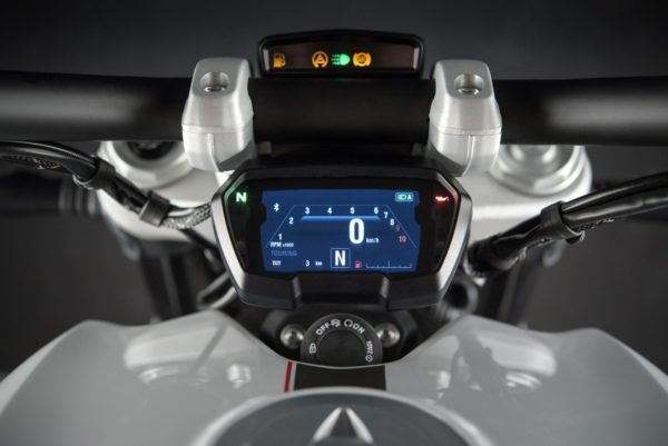 Ducati-XDiavel-Iceberg-White-30-600x401