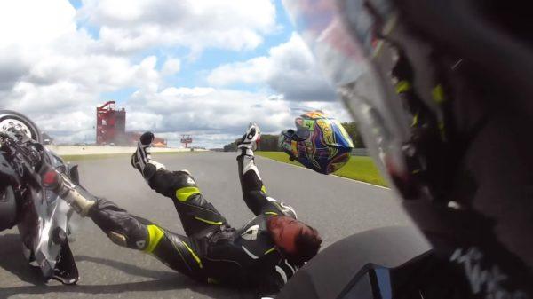 Helmet-Comes-Off-After-Crash-4-600x337