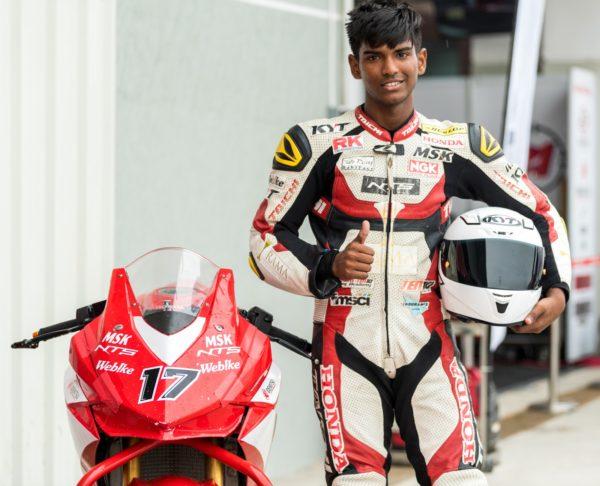 Honda-CBR-250R-Championship-winner-Rajiv-Sethu-after-his-race-600x486