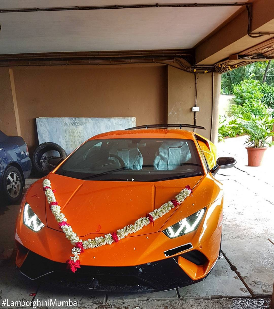 India S First Lamborghini Huracan Performante Delivered In Mumbai