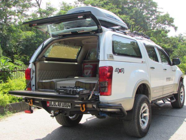 Isuzu-DMAX-Vcross-Tourismo-7-600x450