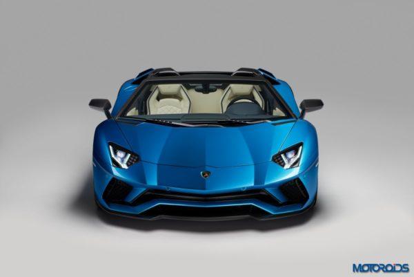 Lamborghini-Aventador-S-Roadster-3-600x401