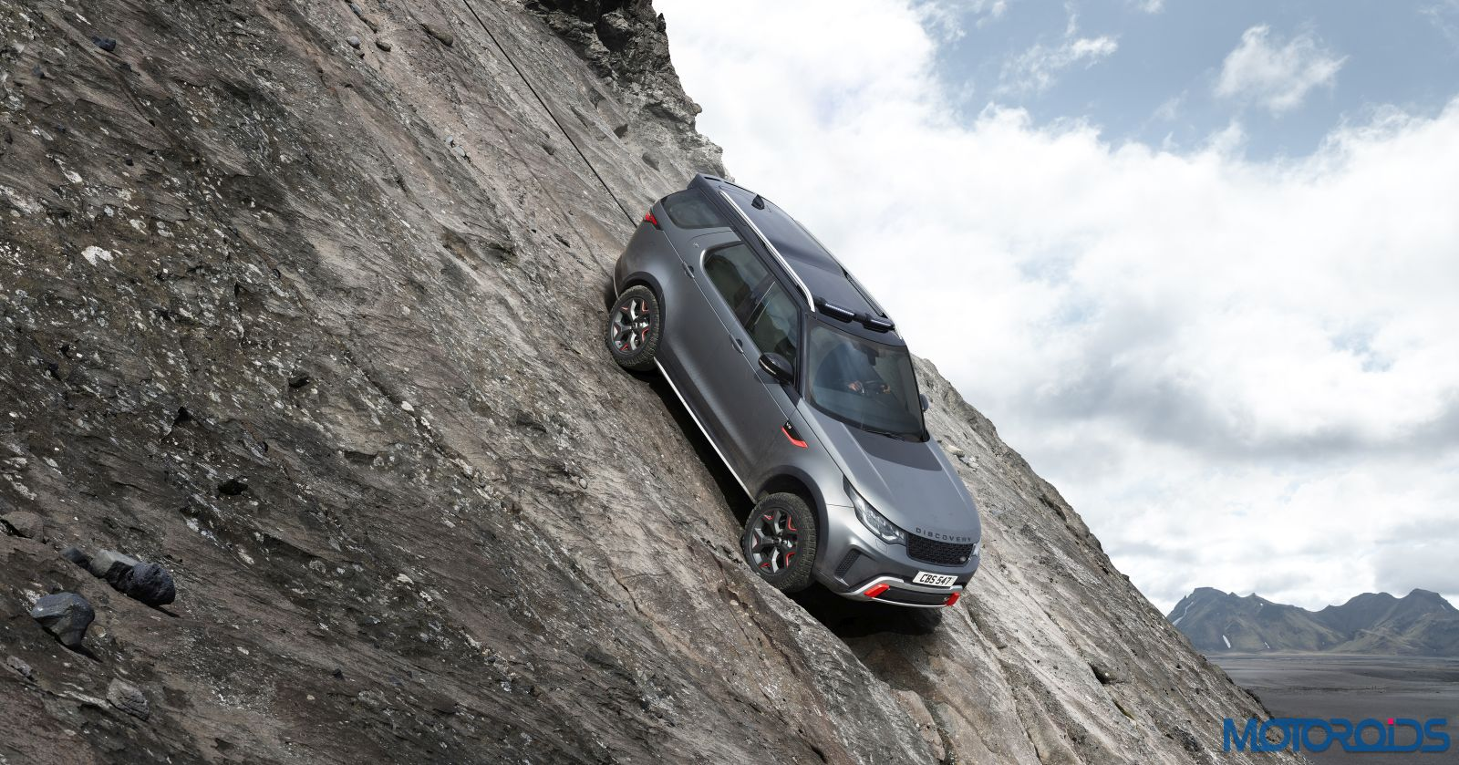Land-Rover-Discovery-SVX-4