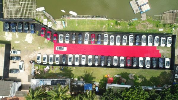 Mercedes-Benz-delivers-51-cars-in-Kolkata-1-600x338