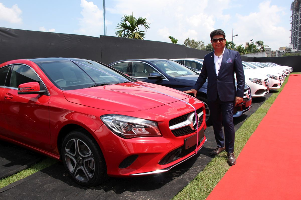 Mercedes benz india delivers 51 cars in one day in kolkata for Mercedes benz cars pictures