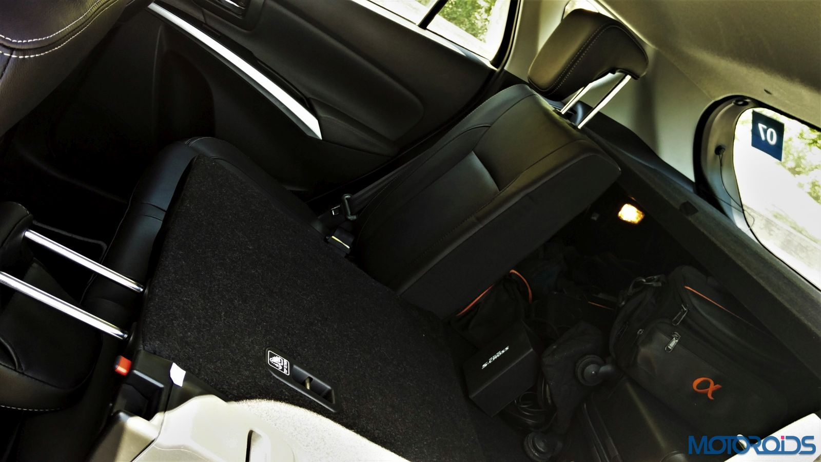 New-Maruti-Suzuki-S-Cross-Alpha-Review-Rear-backrest-split50