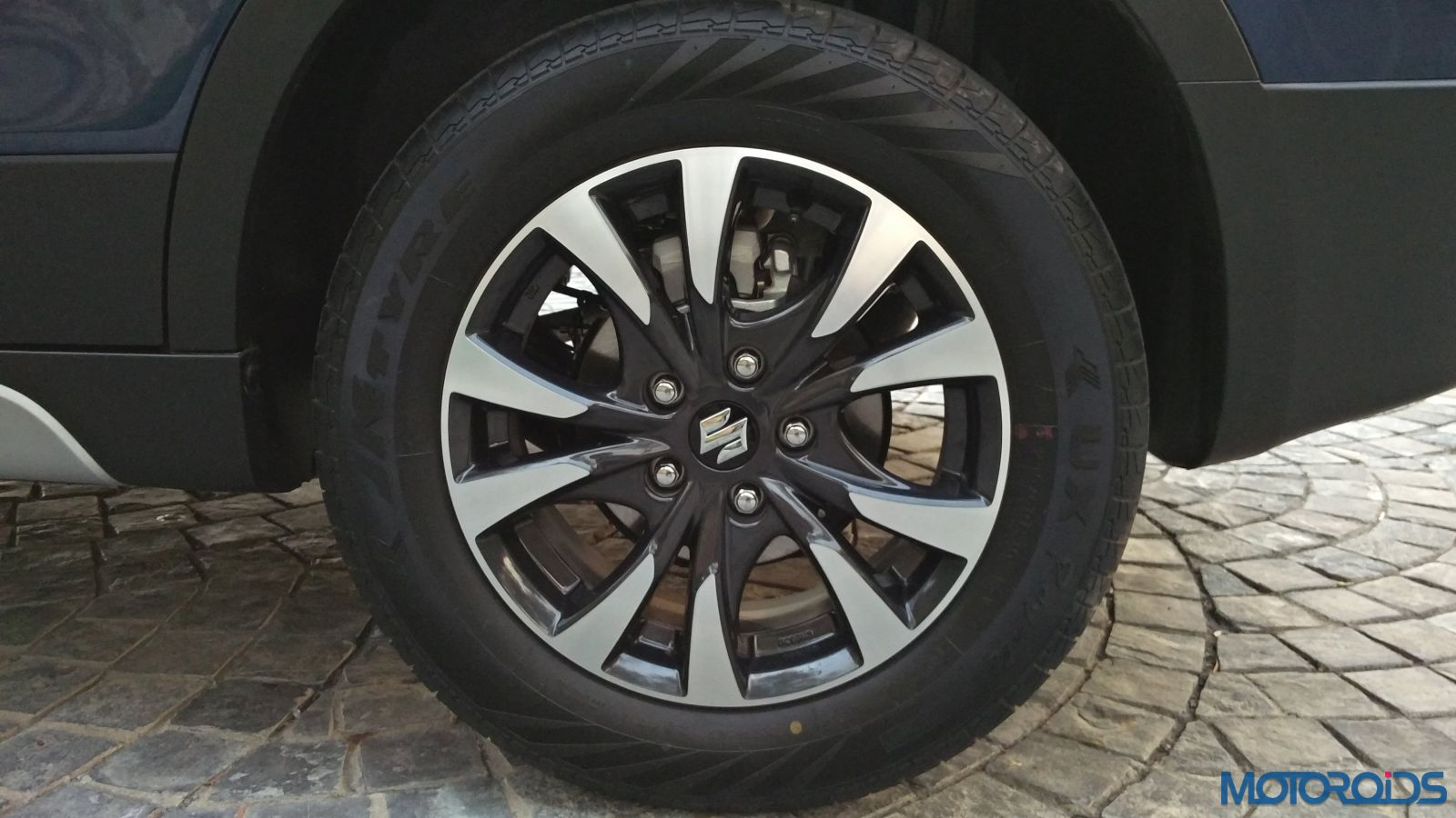 New-Maruti-Suzuki-S-Cross-Alpha-Review-alloy-wheel-pattern24