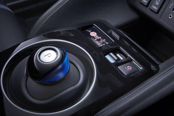 New-Nissan-LEAF-31-600x400