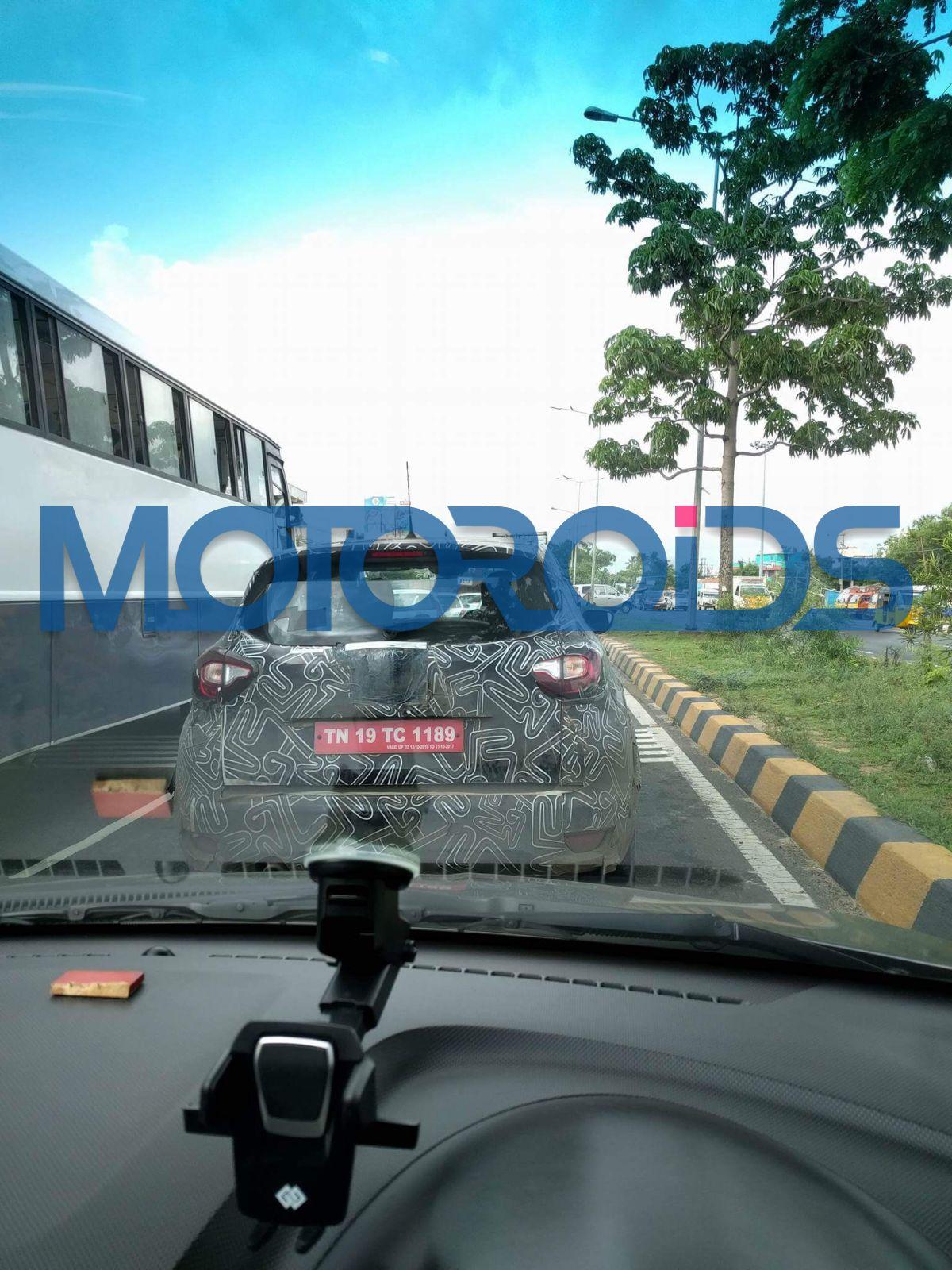 Renault-Captur-India-Spy-Images-1