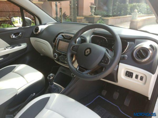 Renault-Captur-unveiled-29-600x450