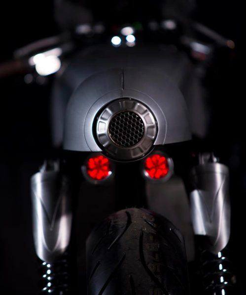 Royal-Enfield-Continental-GT-Silver-Bullet-8-499x600