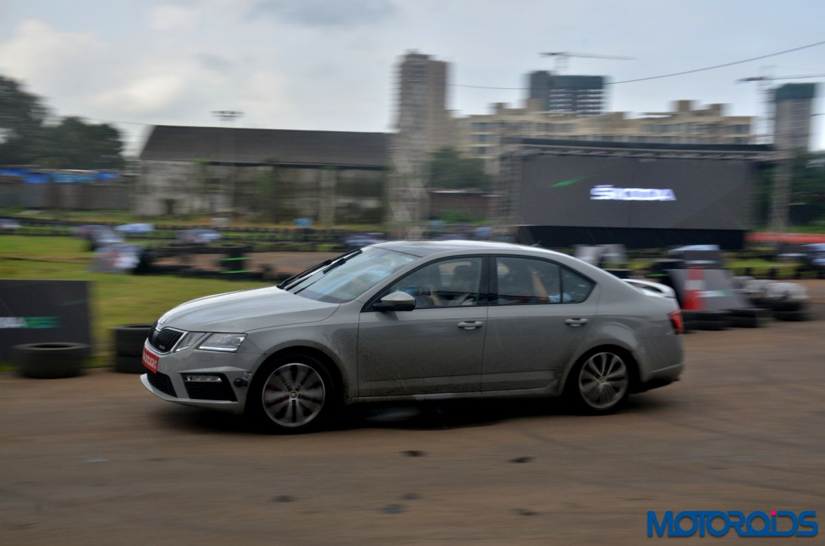 Video Watch This Modified Skoda Octavia Rs Hit 277 Kmph On Indian