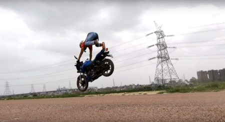 TVS Apache RTR stunt gone wrong
