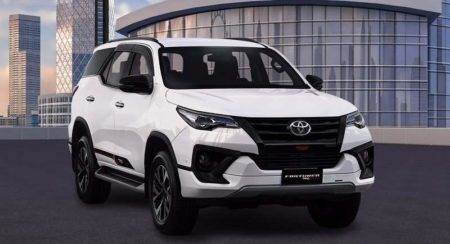 Toyota Fortuner TRD Sportivo (1)