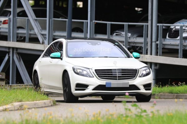 spyshots-2020-mercedes-s-class-spied-for-the-first-time-looks-wider-120651_1-600x400