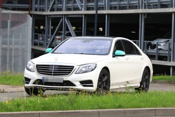 spyshots-2020-mercedes-s-class-spied-for-the-first-time-looks-wider_3-600x400