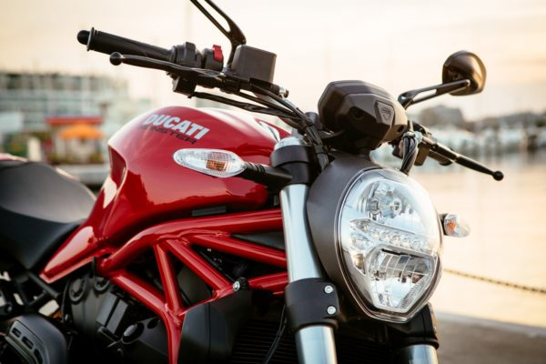2018-Ducati-Monster-821-26-600x400