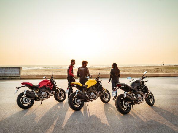 2018-Ducati-Monster-821-30-600x450