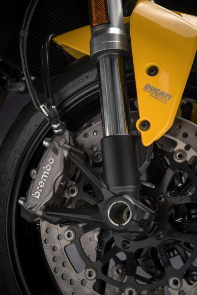 2018-Ducati-Monster-821-45-401x600