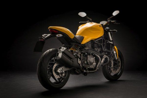 2018-Ducati-Monster-821-64-600x401