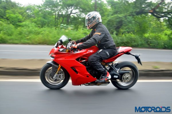 Ducati-SuperSport-S-Review-Action-Shots-2-600x398