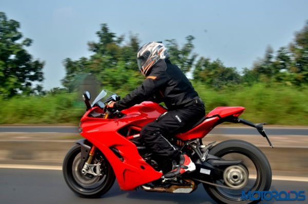 Ducati-SuperSport-S-Review-Action-Shots-4-600x398