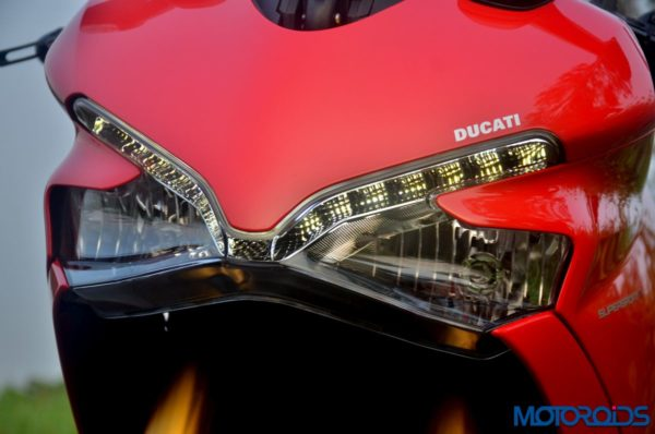 Ducati-SuperSport-S-Review-Detail-Shots-10-600x398