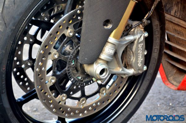 Ducati-SuperSport-S-Review-Detail-Shots-2-600x398