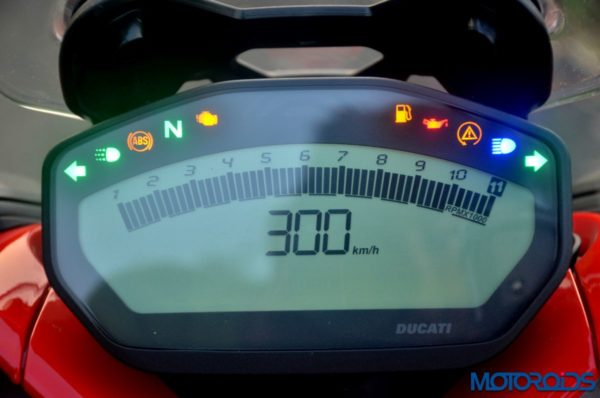 Ducati-SuperSport-S-Review-Detail-Shots-46-600x398