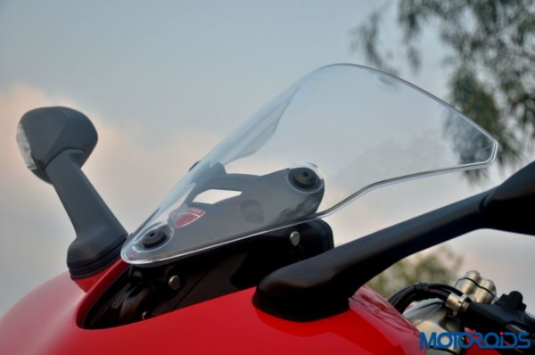 October 11, 2017-Ducati-SuperSport-S-Review-Detail-Shots-59-600x398.jpg