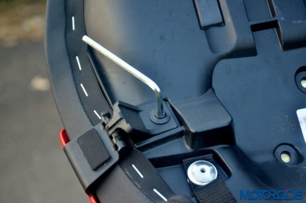 Ducati-SuperSport-S-Review-Detail-Shots-70-600x398