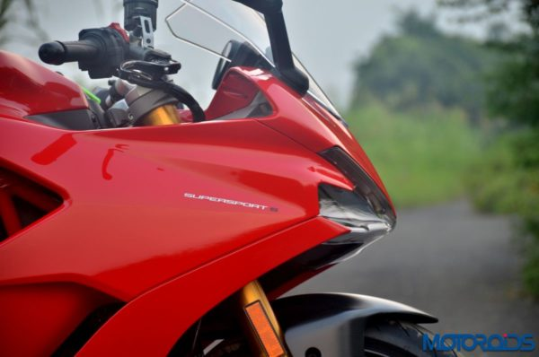 October 11, 2017-Ducati-SuperSport-S-Review-Detail-Shots-87-600x398.jpg
