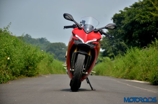 Ducati-SuperSport-S-Review-Still-Shots-5-600x398