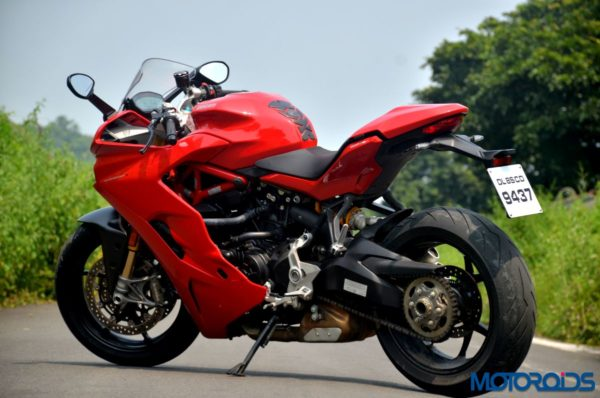 Ducati-SuperSport-S-Review-Still-Shots-7-600x398