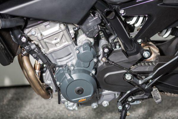 KTM-790-Duke-MotorcycleNews-2-600x400