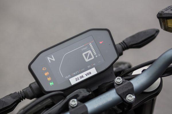 KTM-790-Duke-MotorcycleNews-4-600x400