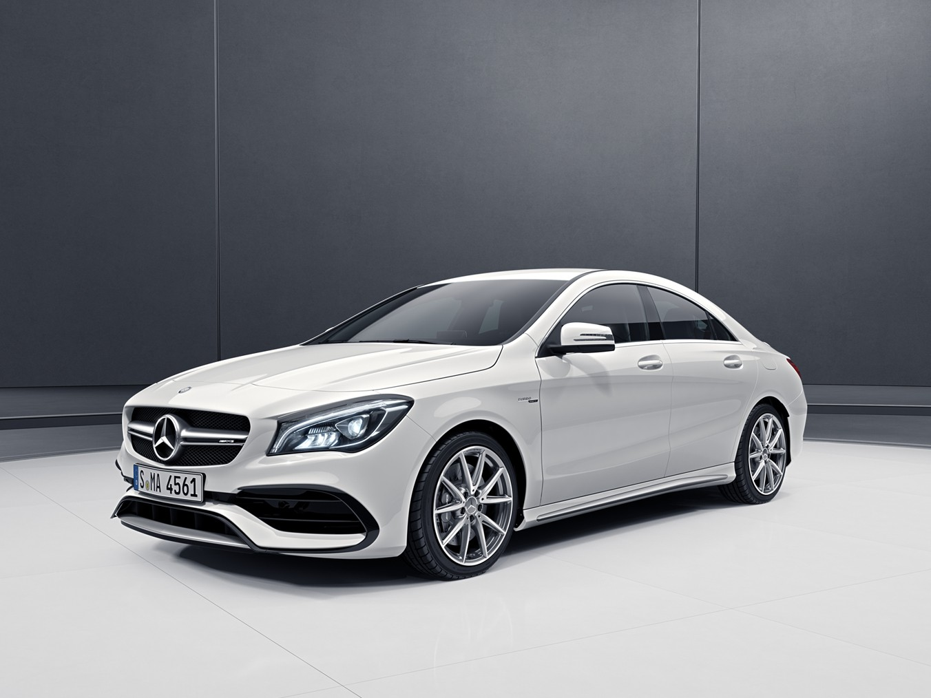 2017 mercedes amg cla 45 india launch date images features tech specs and prices motoroids. Black Bedroom Furniture Sets. Home Design Ideas