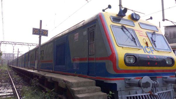 Mumbai-AC-Local-600x338