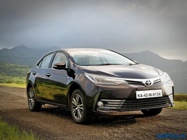 New 2017 Toyota Corolla Altis Facelift India Review front 3 quarter